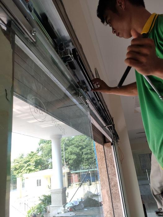 Lắp đặt cửa trượt tự động Nabco tại Bãi Cháy - Quảng Ninh