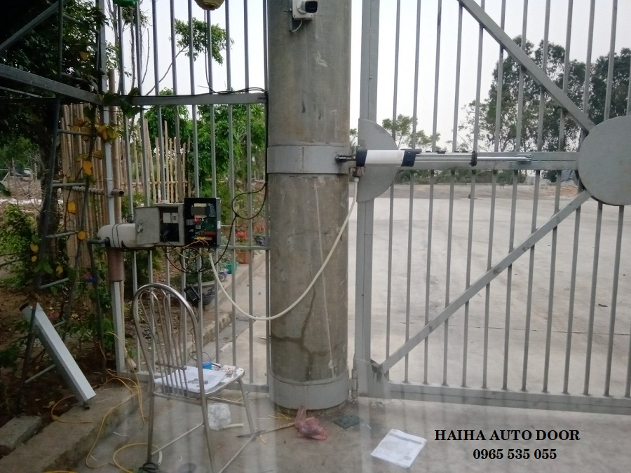 cổng tự động tay đòn thủy lực GIUNO BT A20
