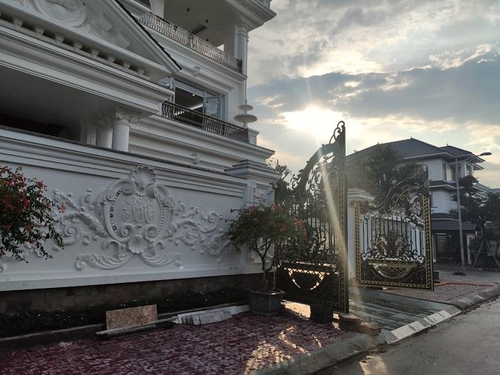Motor cổng tự động âm sàn tại KĐT Nam Đầm Vạc Vĩnh Phúc 03